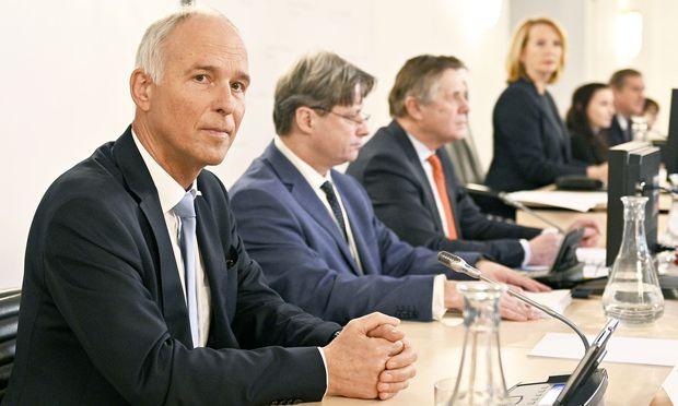 Innenministerium-Generalsekretär Peter Goldgruber war am Dienstag zum zweiten Mal im U-Ausschuss geladen.
