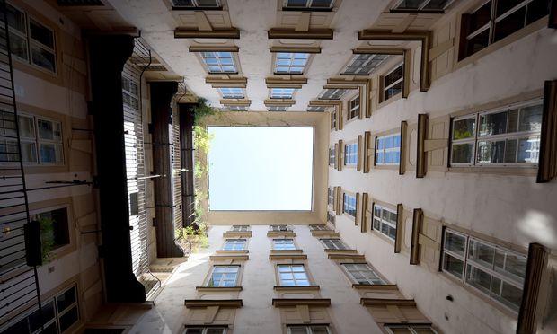 Manchmal schalten sich Makler ungebeten ein, wenn Immobilien zum Verkauf stehen. Erlaubt ist ein solches Verhalten nicht.