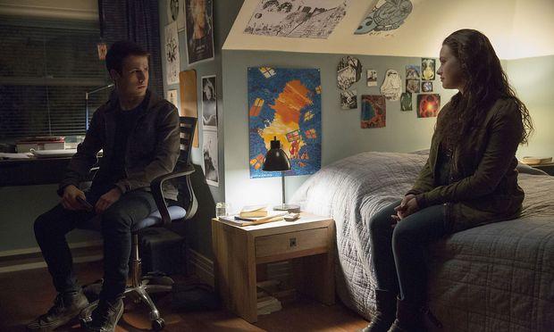 Hannah begleitet Clay als sprechende Halluzination