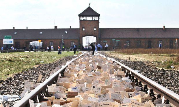 Gedenken in Auschwitz