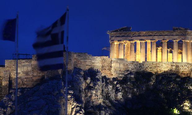 Griechische Wirtschaft stuerzt dramatisch