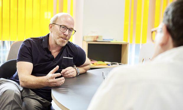 """Pro Jahr melden sich fast 4000 Start-ups bei Speedinvest: """"Wir müssen brutal aussortieren"""", sagt Oliver Holle."""