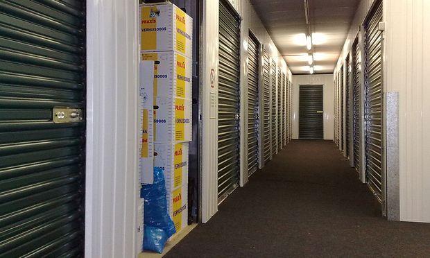 Mikrowohnungen und Dachausbauten treiben Selfstorage-Anbietern immer neue Kunden zu.