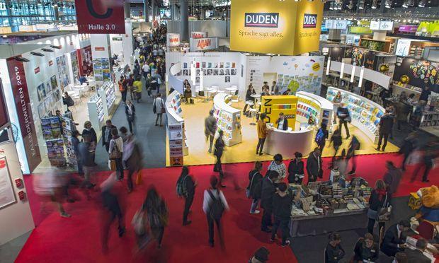 Die 70. Frankfurter Buchmesse zeigt, dass das Medium Buch auch heute noch eine starke Faszination ausübt.