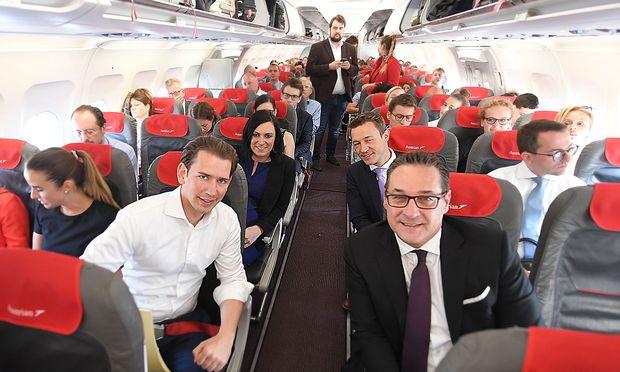 Ein Bild aus besseren Zeiten: Im Juni 2018 flog fast die gesamte Regierung anlässisch der österreichischen Ratspräsidentschaft nach Brüssel.