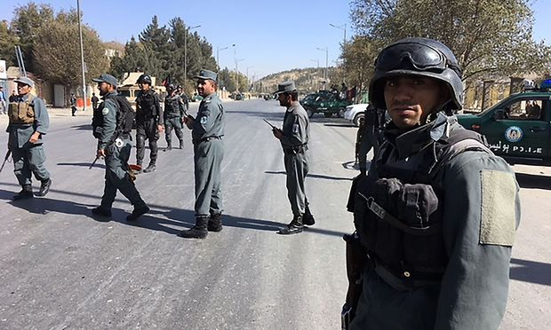 Bewaffnete stürmen TV-Sender in Kabul