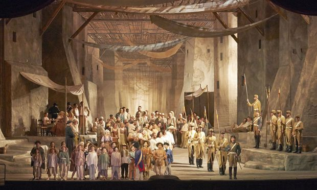 "Die Zeffirelli-Inszenierung der ""Carmen"" beglückt Opernfreunde seit den 1970ern. / Bild: Wiener Staatsoper / Michael Pöhn"