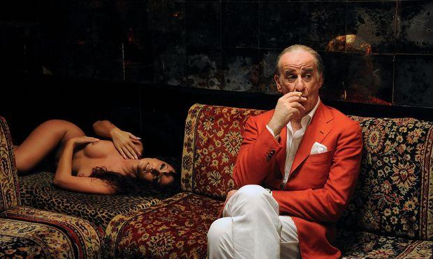 """Toni Servillo als alternder Lebemann in Rom, der sein dekadentes Dasein hinterfragt: In """"La Grande Bellezza"""" passen Paolo Sorrentinos Stilexzesse perfekt zum Sujet."""