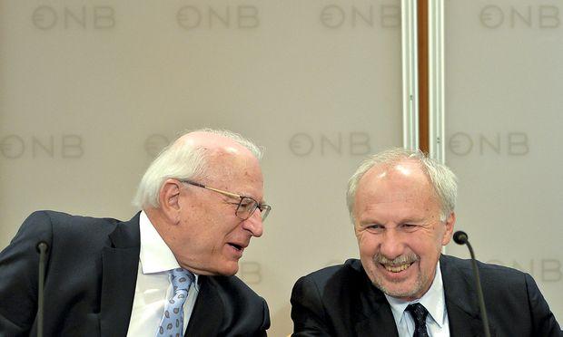 OeNB-Präsident Claus Raidl (l.) und Gouverneur Ewald Nowotny / Bild: APA/HERBERT NEUBAUER
