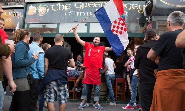 Die Ottakringer Straße und die dort angesiedelten Lokale sind sozusagen die Kommandozentrale der kroatischen fußballaffinen Community.