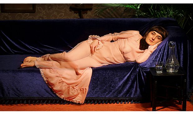 "Özlem Şimşek, Lying Woman (After Halil Paşa), Video, 2012, 1'27'', Courtesy the artist and Cda–Projects, Istanbul; Sonderschau ""DIYALOG"": New Energies"