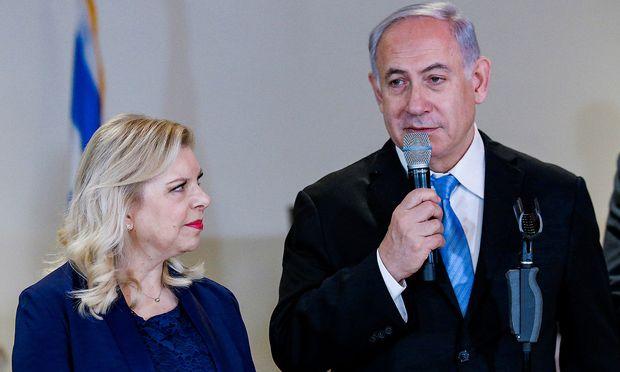 Israels Premier Benjamin Netanyahu mit seiner Ehefrau.