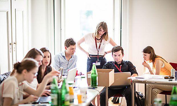 Bei der 9. Auflage der winquadrat in Eisenstadt spannen Studierende ihr Zukunftsnetz.