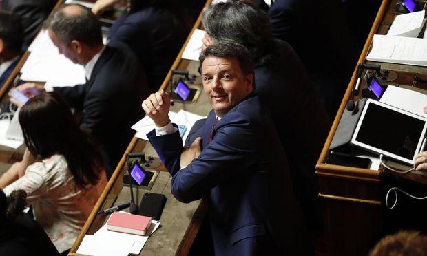 Der sozialdemokratische Ex-Premier Renzi strebt ein Bündnis mit den Fünf Sternen, Berlusconi und einer linken Kleinpartei an.