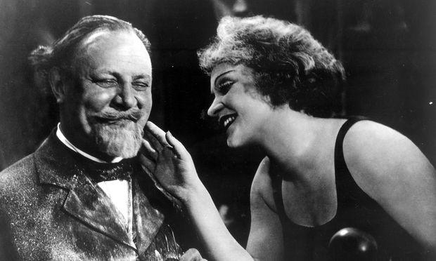 """Josef von Sternbergs """"Der blaue Engel"""" mit Emil Jannings und Marlene Dietrich in ORF III."""