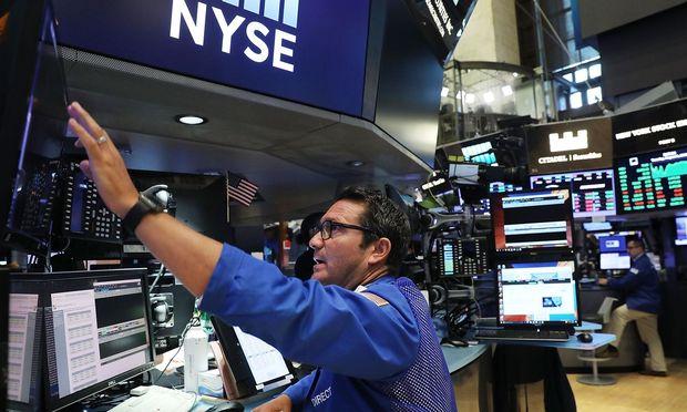 Apple treiben Dow Jones auf 22'000 Punkte