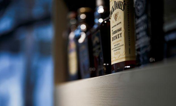 Zollstreit Belastet Jack Daniel S Hersteller Gibt Gewinnwarnung
