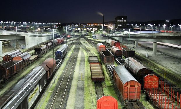 Rangierbahnhof bei Nacht BLWX059305 Copyright xblickwinkel McPhotox RalphxKerpax