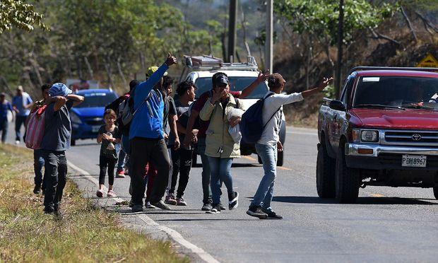 Hondraner versuchen, sich in Richtung Mexiko und USA durchzuschlagen.