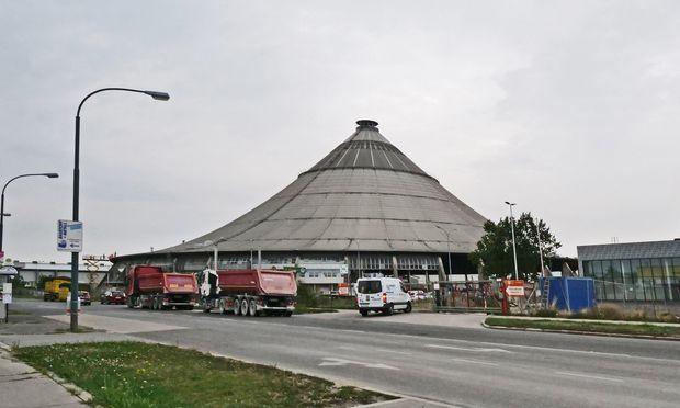 Holzkonstruktion, 68 Meter hoch: das Rinter-Zelt.