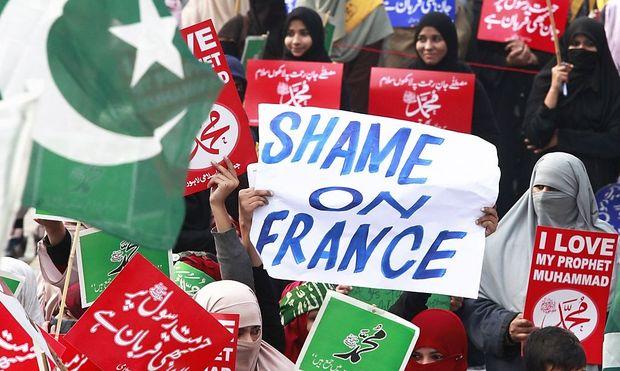 Demonstration in Pakistan gegen das französische Satiremagazin