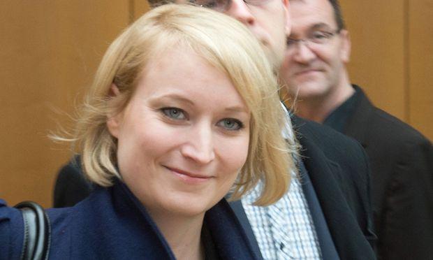 Laura Himmelreich / Bild: (c) EPA (MAURIZIO GAMBARINI)