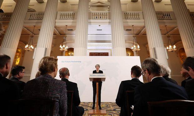 Zukunftsvision oder Rosinenpicken 2.0? Mays dritte große Brexit-Rede