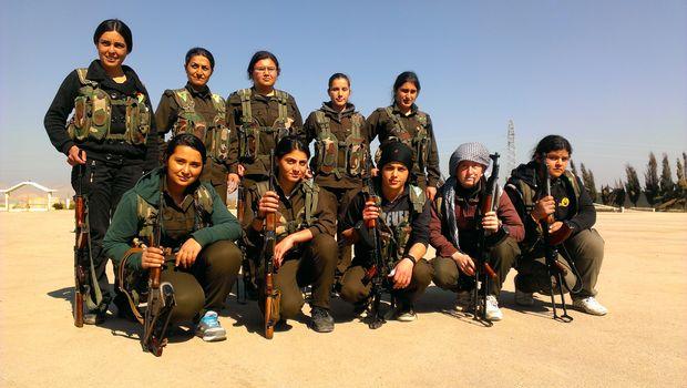 Widerstand gegen al-Qaida. Kurdische Kämpferinnen in Syrien.