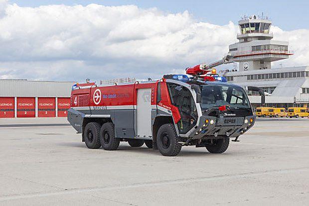 Ein Feuerwehrauto von Rosenbauer.