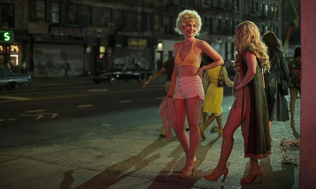 """Candy (Maggie Gyllenhaal) steigt in """"The Deuce"""" zur Porno-Queen auf."""