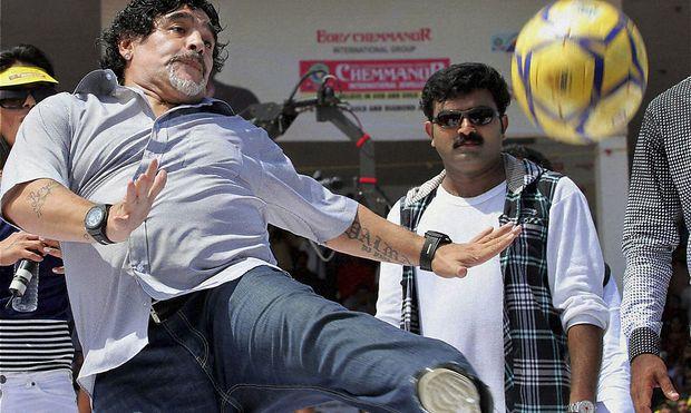 Diego Maradon soll seine Fußballkünste in Zukunft dem irakischem Fußball-Nationalteam vermitteln.