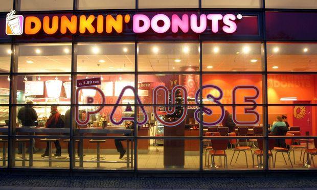 29 12 09 Dunkin Donuts im Bahnhof Berlin Spandau