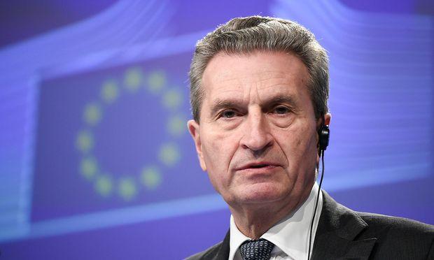 Günther Oettinger will den Budget-Streit bis Ostern 2019 ausgefochten haben.