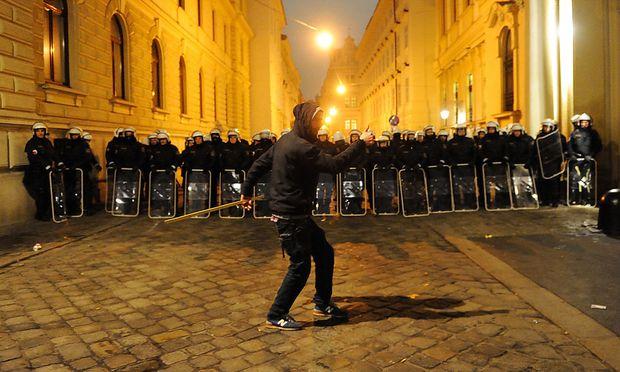 Archivbild: Anti-Akademikerball-Demo im Vorjahr
