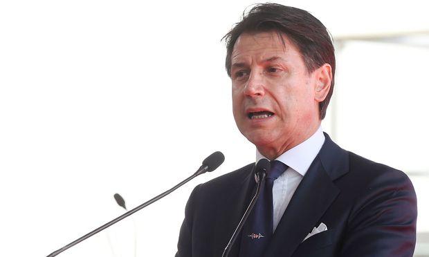 Premier Giuseppe Conte könnte sich einem Misstrauensvotum unterziehen oder zurücktreten