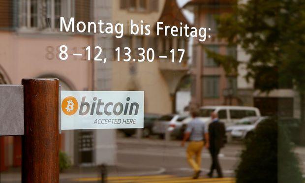 Auch das Rathaus im schweizerischen Zug akzeptiert die Digitalwährung Bitcoin.