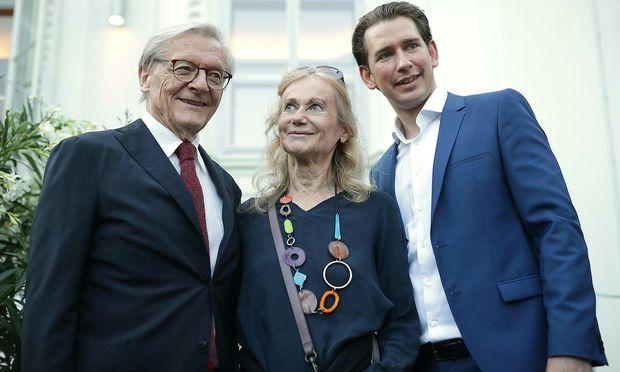 Hatte mit ähnlichen Problemen zu kämpfen wie heute Kurz: Wolfgang Schüssel (mit seiner Frau beim diesjährigen Kanzlerfest).