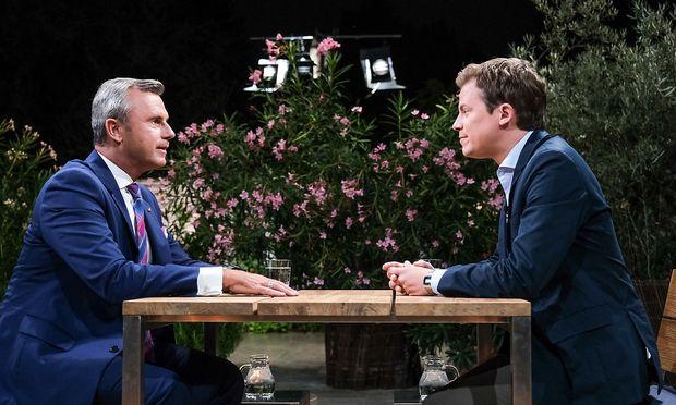 Tobias Pötzelsberger im Gespräch mit Norbert Hofer, FPÖ / Bild: ORF