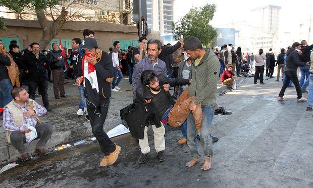 Vor dem Raketeneinschlag gab es Demonstrationen mit blutigem Ende in Bagdad.