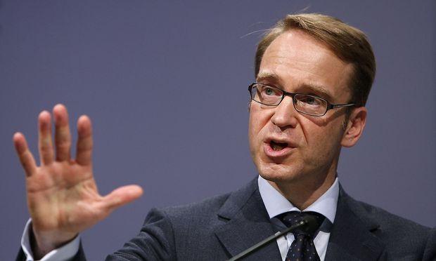 President of German Bundesbank Weidmann speaks on the podium during the Frankfurt Euro Finance Week in Frankfurt