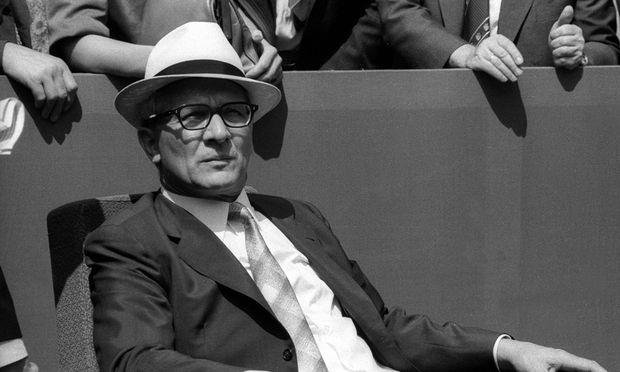 Honecker: Staatschef, Obdachloser, Botschaftsflüchtling