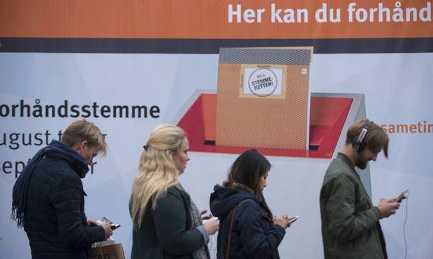 Norwegens Ministerpräsidentin Solberg gibt sich siegessicher