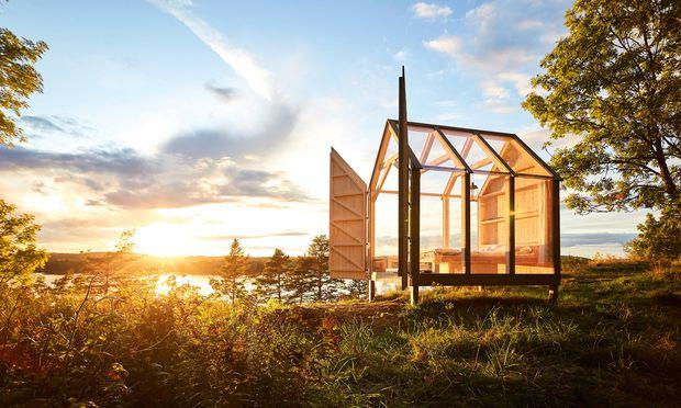 """Einzellage. Die """"72 hour Cabins"""" stehen an den lauschigsten Orten Dalslands. / Bild: (c) Jonas Ingman/imagebank.sweden.se"""