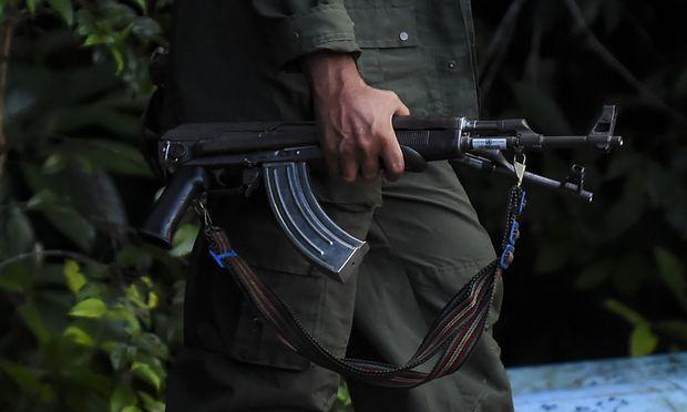 Einen Monat später als ursprünglich vorgesehen haben die Rebellen der Farc ihre Waffen an die Vereinten Nationen übergeben.