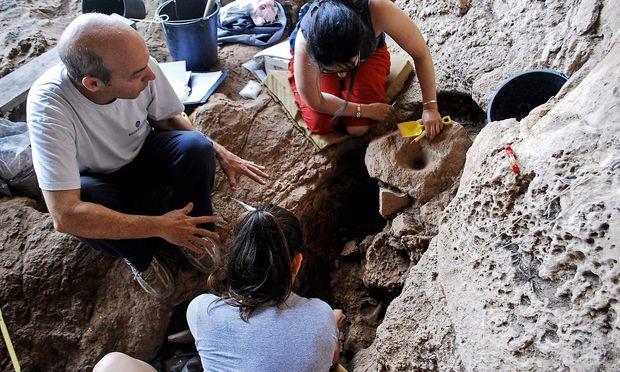 ISRAEL-ARCHAEOLOGY-BEER