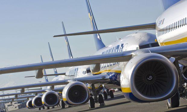 Boeing will 2300 Stellen