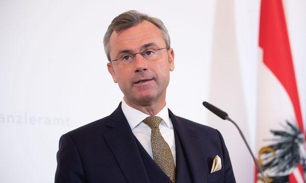 Die Kritik an Verkehrsminister Norbert Hofer wächst.