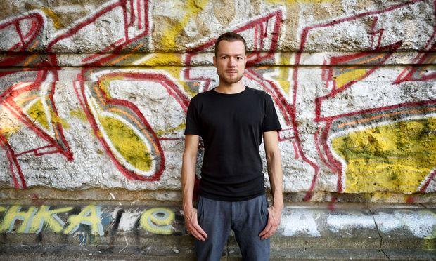 In seinen Roman über den Bosnienkrieg steigt Autor Robert Prosser mit einem Wiener Graffitisprayer ein.