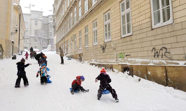Schneefall Wien wintersportlich