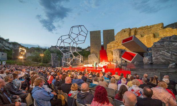 Begeisternde Ovationen bei der Premiere von Verdis RIGOLETTO im Steinbruch St. Margarethen